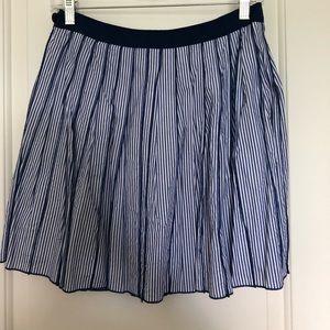 Pleated vineyard vines skirt